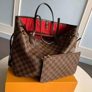 Exquisite and gorgeous LV shoulder bag